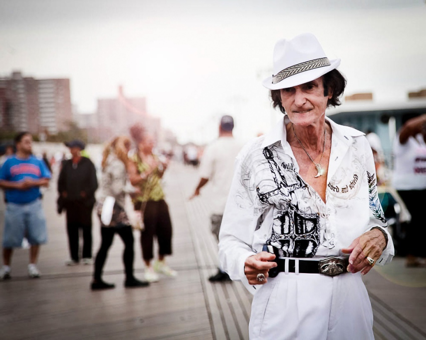 Sarah Hoppes Coney Island Natural Light Portrait Photographer